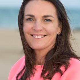 Dr Sarah Bourke